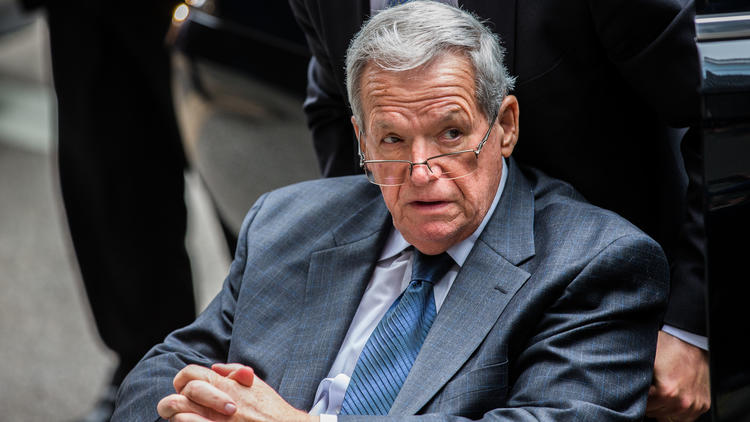 ct-dennis-hastert-lawsuit-met-20170527-001